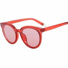 Classic Cat Eye Sunglasses with transparent frames