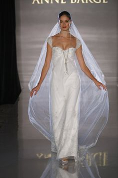 Anne Barge Wedding Dress 528