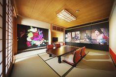 草間彌生やアラーキーの手掛けたホテルの部屋が公開、「道後オンセナート」先行スタート | ART | LIFE | WWD JAPAN.COM