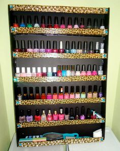 Beth and I are going to make this . DIY leopard nailpolish rack :) 3 foam boards, leopard duct tape, rhinestones, & a glue gun! Nail Polish Wall Rack, Nail Rack, Diy Nail Polish, Diy Arts And Crafts, Cute Crafts, Diy Crafts, Diy Vanity Mirror, Diy Computer Desk, Diy Entertainment Center