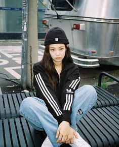 Black Pink Yes Please – BlackPink, the greatest Kpop girl group ever! Blackpink Fashion, Korean Fashion, Fashion Outfits, Blackpink Jennie, K Pop, Blackpink Wallpaper, Black Pink ジス, Blackpink Photos, Adidas Outfit