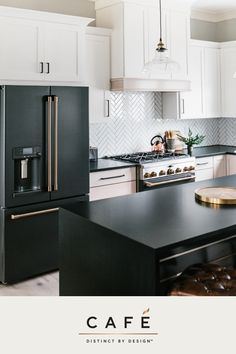 Its time appliances had a personality. Yours. 📷: Carley Page Photography Kitchen designed by Gretchen Black of Greyhouse Design Home Decor Kitchen, New Kitchen, Kitchen Nook, Awesome Kitchen, Updated Kitchen, Kitchen Ideas, Black Kitchens, Home Kitchens, Home Interior