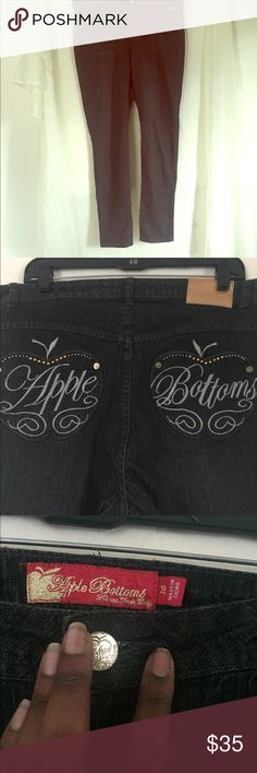 Black straight leg skinny jeans! Size 18 skinny jeans. Super stretchy true to size .. Comfortable and cute ! Great condition! Apple Bottoms Jeans Skinny