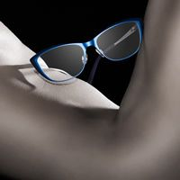 You don't have to flex with Bevel Eyewear.  These frames are lightweight!