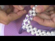 YouTube Diy Bordados, Flip Flop Sandals, Flip Flops, Wedding Crafts, Bead Weaving, Heart Ring, Diy And Crafts, Diamond Earrings, Swarovski