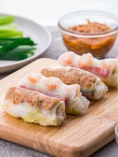 Healthy Shrimp and Spicy Tuna Vietnamese Spring Rolls! Clean and fresh appetizers served with sesame mayo and peanut sauce. Crab Cake Recipes, Grilled Squid, Shrimp Spring Rolls, Roasted Tomatillo, Vietnamese Spring Rolls, Spicy Salsa, Beef Curry, Peanut Sauce, Seafood Dishes