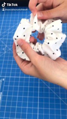 Sewing Basics, Sewing Hacks, Sewing Tutorials, Sewing Projects, Sewing Diy, Hair Tutorials, Diy Projects, Diy Hair Scrunchies, Diy Hair Bows