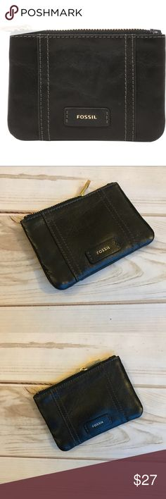 "FOSSIL: Ellis Zip Coin: Genuine Leather: Black FOSSIL: Ellis Zip Coin: Genuine Leather: Black  Genuine Leather, zipper closure, 1 key ring, 1 outside pocket, 2 card slots, old english brass hardware.   Dimensions: 4.75""x.5""x3.5"" Fossil Accessories Key & Card Holders"