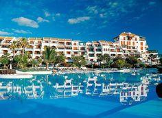 Parque Santiago III, Playa de Las Americas, Tenerife, Canarische Eilanden, Spanje - http://govillasandcottages.co.uk/property/9077084099119078081061061/aguamarina-golf-del-sur-.html
