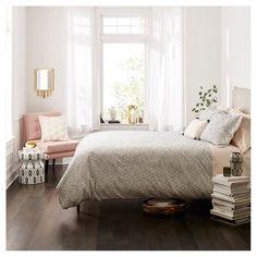 The Modern Organic Bedroom Makeover Stories - decorincite Dream Rooms, Dream Bedroom, Home Bedroom, Bedroom Decor, Airy Bedroom, Master Bedroom, Bedrooms, Target Bedroom, Feminine Bedroom