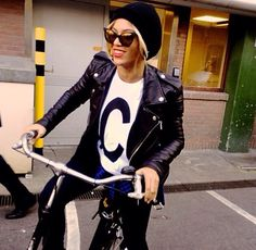 Beyonce in BLK DNM leather jacket 8  #beyonce #blkdnm #leatherjacket