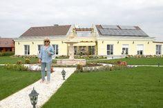 korda villa – Google Kereső Garage Doors, Villa, Outdoor Decor, Google, Home Decor, Luxury, Homemade Home Decor, Interior Design, Home Interiors