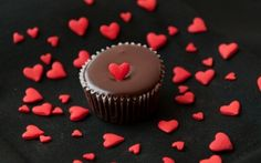 Happy Chocolate Day Pictures Wallpapers for Lover & Special Partner Chocolate Hearts, Chocolate Muffins, Love Chocolate, Chocolate Desserts, Chocolate Cake, Chocolate Lovers, Chocolate Day Pictures, Happy Chocolate Day Images, Mini Hamburgers