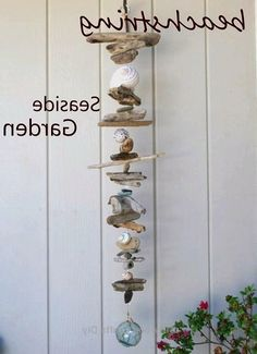 Driftwood crafts - beachstring DRIFTWOOD ART love the style of this one Seashell Art, Seashell Crafts, Beach Crafts, Summer Crafts, Diy And Crafts, Seashell Wind Chimes, Seashell Garland, Crafts With Seashells, Mermaid Crafts