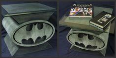 Custom Design Batman Bat Symbol Coffee Table 6 Comic Book Art Coffee Tables I could paint custom tables for you! Batman Room, I Am Batman, Batman Stuff, Superman, Movies Costumes, Comic Books Art, Book Art, Geeks, E Design