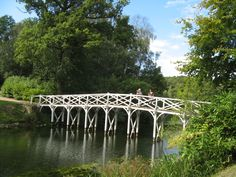 Chinese-Bridge-at-Painshill-Park-in-Cobham-Surrey.jpg (3072×2304)