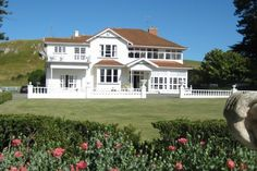 Fine accommodation in a stately coastal setting in Porangahau Beach, Central Hawke& Bay District Holiday Accommodation, Old World Charm, Rest Of The World, Plan Your Trip, Homesteading, New Zealand, Coastal, Mansions, Luxury