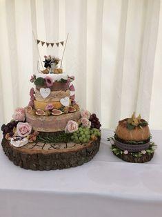 Five Ideas To Organize Your Own Pie Wedding Cake - pie wedding cake Pie Wedding Cake, Cool Wedding Cakes, Fresh Image, Mini Pies, Cake Toppers, Wedding Planner, Dream Wedding, Pork, Wedding Inspiration