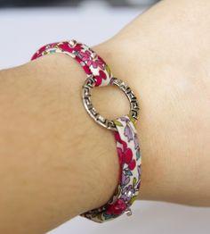 Bracelet liberty Macrame Bracelet Diy, Diy Leather Bracelet, Paracord Bracelets, Leather Jewelry, Homemade Jewelry, Diy Jewelry, Beaded Jewelry, Jewelry Design, Jewelry Making