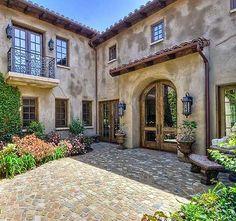 Fabulous Mediterranean Courtyard.