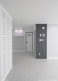32평 화이트톤 아파트 홈스타일링 인테리어 : 네이버 포스트 Bedroom Closet Design, Home Room Design, Bathroom Interior Design, House Design, Townhouse Interior, Apartment Interior, Santa Helena, Home Fix, Home Decor Trends