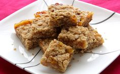 Summer is ending but we still have time to savor those bright citrus colors and flavors. Today we are going to make orange marmalade oatmeal squares. I like to cheat and have the sweet treats for breakfast.