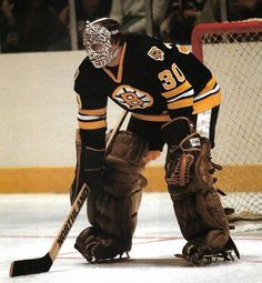 Boston Sports, Boston Red Sox, Boston Bruins Goalies, Dont Poke The Bear, Goalie Mask, Hockey Goalie, Cool Masks, Hockey Players, Superhero