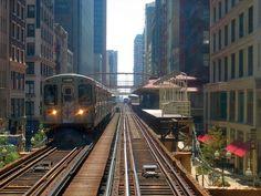 Chicago Transit Authority (CTA), linha Marrom, tem trens partindo de Matison/Wabash no loop de Chicago, Illinois, USA.  - Wikipedia, the free encyclopedia.