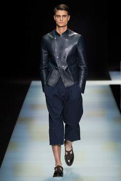 Giorgio Armani Spring 2016 Menswear Collection Photos - Vogue