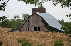 Anthony Cornett's photo of a Huntsville, Missouri barn.