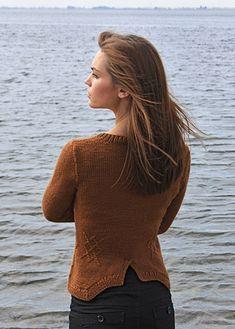 curved hem cardigan knitting pattern