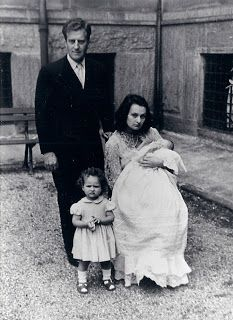 Princess Editha of Bavaria with 1st husband Tito Brunetti and their 2 eldest daughters, toddler Serena Brunetti and newborn Carlotta.  (Can't find any wedding pics of Editha and Tito.)