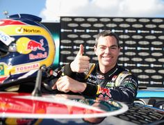 Craig Lowndes Photos: Perth 400 - V8 Supercars: Qualifying And Races 14