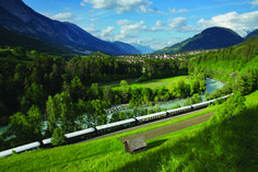 If you want to go on a luxury train trip in Europe, look no further than the Belmond Venice Simplon-Orient-Express. Italy Vacation, Italy Travel, Venice Simplon Orient Express, Trains, Train Vacations, Train Journey, Visit Italy, Train Rides, Train Trip