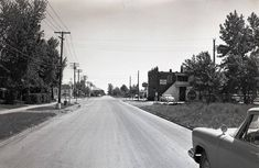 Lauzon Road southbound at Wyandotte St East Note the old Lion's Head Tavern on the right