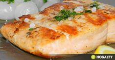Nem árt, ha akad a tarsolyunkban egy tartalék recept, amit vészhelyzet esetén előhúzhatunk. Szerezd be most a halat, fagyaszd le, a többi már csak gyerekjáték lesz. Teak, Cooking Recipes, Healthy Recipes, Healthy Food, Fish Recipes, Baked Potato, Camembert Cheese, Mashed Potatoes, Salmon