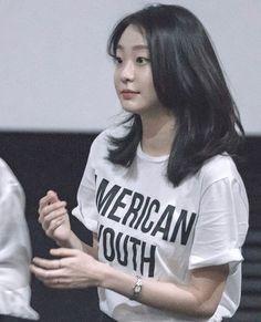 Korean Actresses, Actors & Actresses, Korean Beauty, Asian Beauty, Korean Picture, Instyle Magazine, Cosmopolitan Magazine, Work Hairstyles, Kdrama Actors