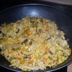 Zöldséges-húsos egytálétel kölessel Atkins, Wok, Fried Rice, Tapas, Macaroni And Cheese, Fries, Paleo, Ethnic Recipes, Bulgur