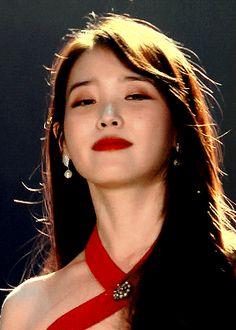 Kpop Girl Groups, Kpop Girls, Iu Moon Lovers, Iu Gif, Bad Girl Aesthetic, Iu Fashion, Beautiful Voice, Mamamoo, Girl Photography