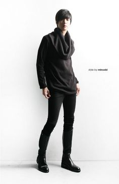 avant-garde minsobi pullover – Men's sweater with a wide turtleneck collar. Long sleeves. minsobi Japan fashion style!   2 colours: grey, black 1 size: one size
