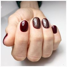 Abstract nail art Autumn nails with a pattern Fall nails 2019 Manicure in autumn style Maroon nails Maroon short nails Nails under the sweater Painted nail designs New Nail Art, Easy Nail Art, Cool Nail Art, Nail Art Design Gallery, Best Nail Art Designs, Spring Nail Art, Spring Nails, Fall Manicure, Green Nails