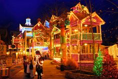 A magical sparkling Christmas in Branson Missouri.