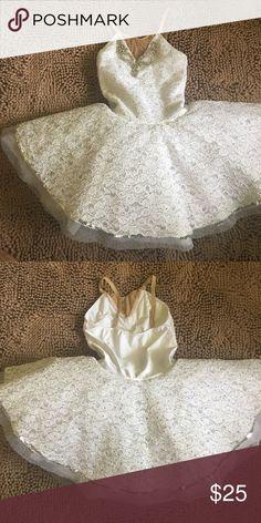Beautiful White Swan Ballet  Costume. White Swan Ballet Costume. Worn 10 minutes. Dresses
