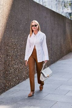 The Latest Street Style From London Fashion Week, Fashion trends 2019 , Japan Fashion, India Fashion, London Fashion, 90s Fashion, Street Fashion, Fashion Trends, Top Street Style, Spring Street Style, Street Style Women