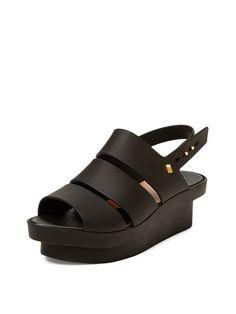 Style Pointed-Toe Flatform Sandal