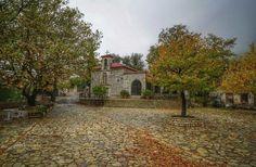 Βάργιαννη_Φωκίδα_  Έλατα, καταρράκτες και σπηλιές. Το ομορφότερο χωριό κοντά στην Αθήνα παραμένει ένα μεγάλο μυστικό