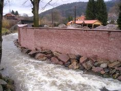 Fouday (67) - aménagement de parcs et jardins - murs en moellons en pierre : Grès de Champenay (Grès des Vosges) Firewood, Gardens, Stone, Woodburning