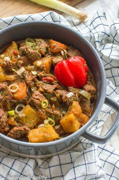 Jamaican beef stew recipe - This delicious one pot meal consists of succulent pieces of meat seasoned and slow cooked with an abundance of herbs and spices. Jamaican Recipes, Beef Recipes, Vegetarian Recipes, Healthy Recipes, Soup Recipes, Healthy Breakfasts, Healthy Meals, Chicken Recipes, Dinner Recipes