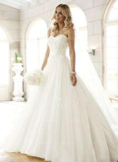 A-linjeformat Axelbandslös Hjärtformad Court släp Organzapåse Bröllopsklänning med Rufsar Pärlor (0025063143) - vbridal