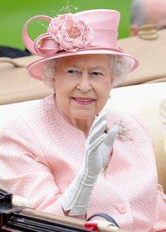Queen Elizabeth, June 18, 2013 | The Royal Hats Blog